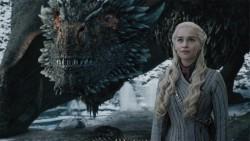 Game of Thrones artıq 10 Emmy mükafatını qazanıb