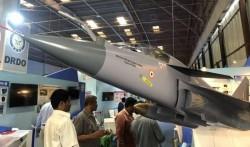 Hindistan aviadaşıyıcısı üçün yeni qırıcılar hazırlamaq niyyətindədir