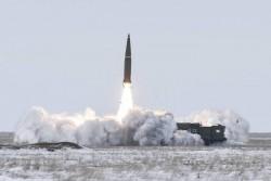Rusiya İskəndər taktiki raket kompleksini sınaqdan keçirib