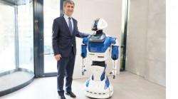 ./assets/uploads/news/2020/01/21/azerbaycan-bir-ilk-musterilere-robot-xidmet-gosterecek.jpg